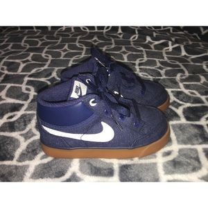 Toddler Nike Sneakers | size 8